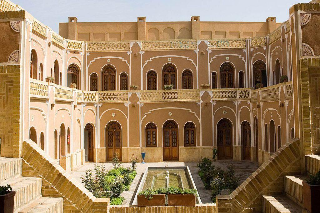 سبک ایرانی ؛معماری آمیخته از سادگی و شکوه با ارزش هنری فوق العاده