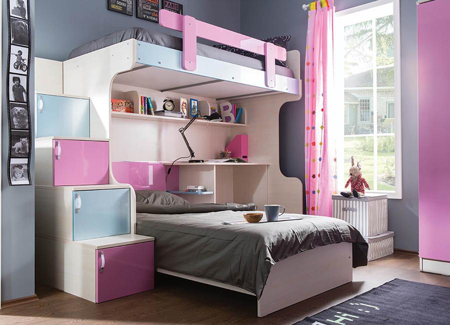 تخت دو طبقه در اتاق نوجوان