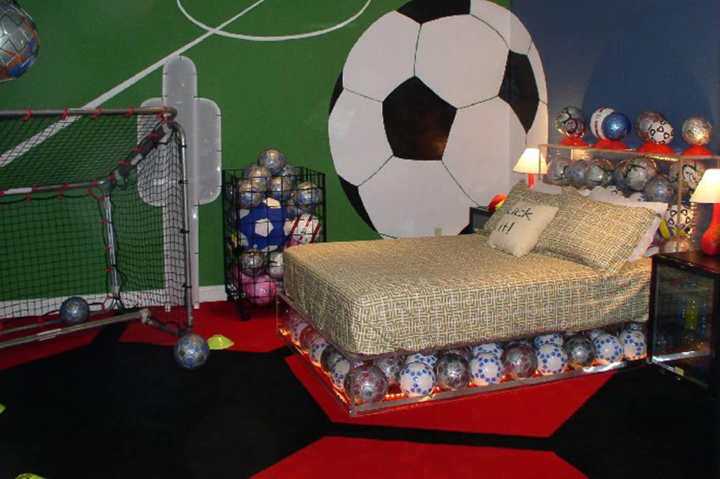 اجرای حرفهای دکوراسیون اتاق خواب فوتبالی با چند ایده ساده